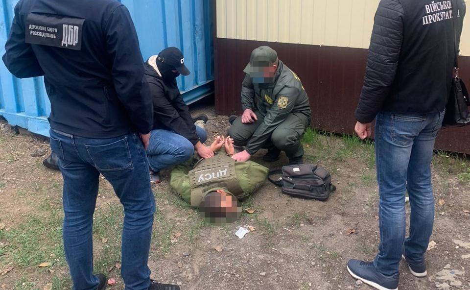 Пограничнику с пункта «Удобное-Маяки» грозит тюрьма за взятку (фото) «фото»