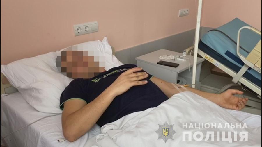 В Одессе грузчик отправил своего напарника на больничную койку (фото, видео) «фото»
