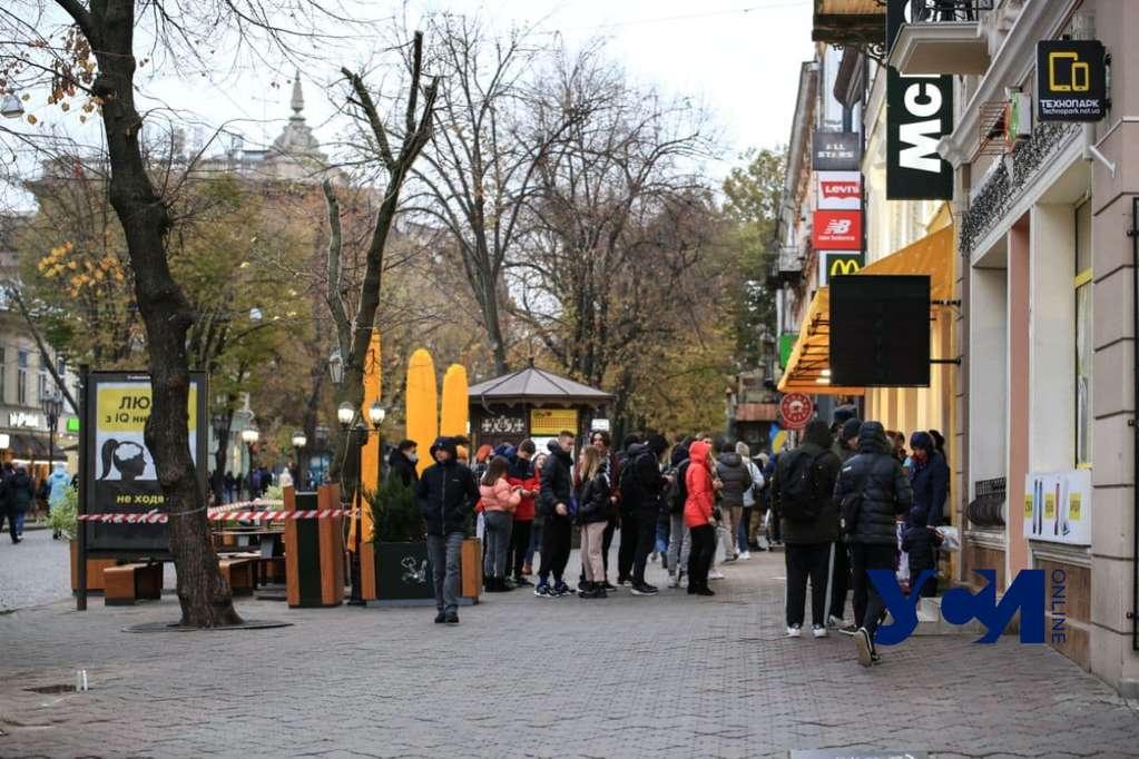 Одесский депутат «объявил войну» летним площадкам в центре города «фото»