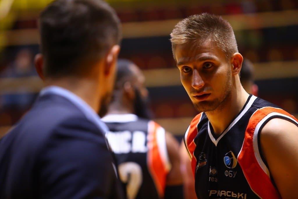 Подозреваемый в манипуляциях игрок сборной Украины притаился в «БИПА-Одесса» «фото»