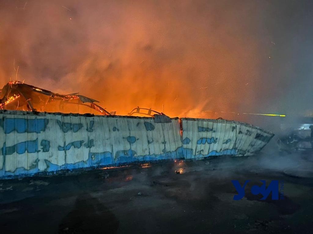 На поселке Котовского горит автосервис (фото) «фото»