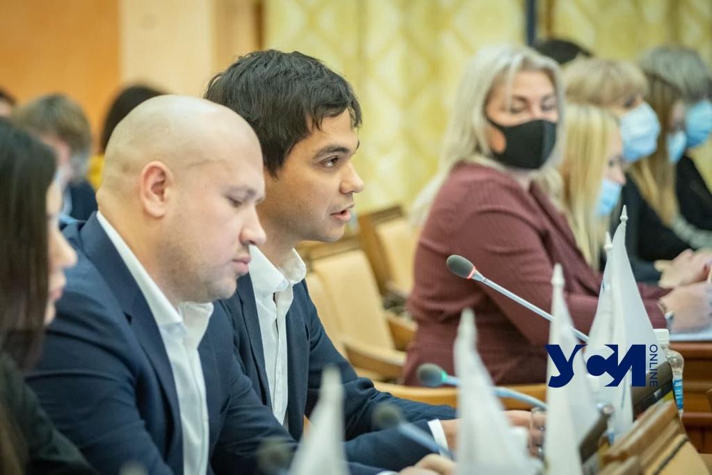 Депутат от ОПЗЖ предложил вакцинировать одесситов российским «Спутником» «фото»