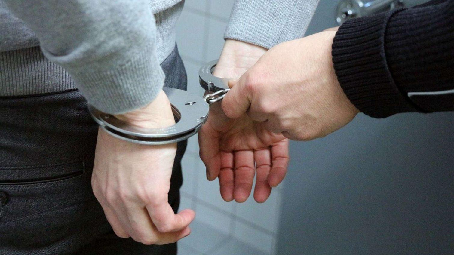 Фальшивые соцработники в Одессе ограбили пенсионера: их задержали «фото»