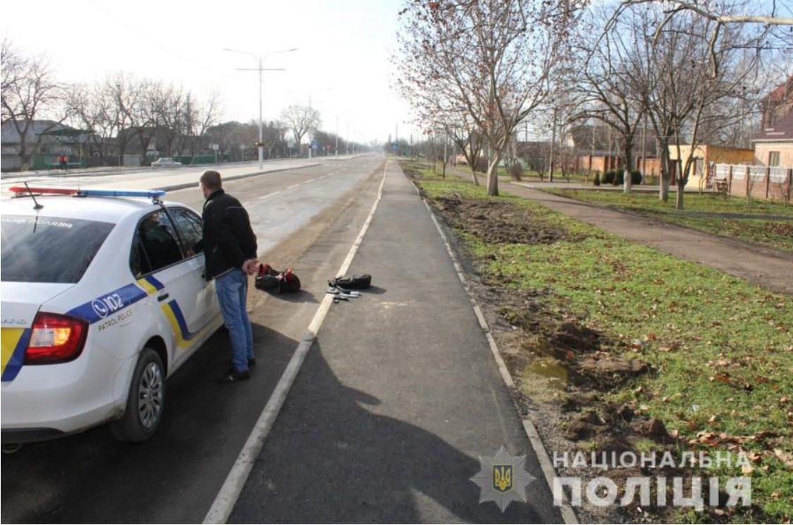 На юге Одесской области пьяный пассажир маршрутки угрожал обидчику пистолетом (фото) «фото»