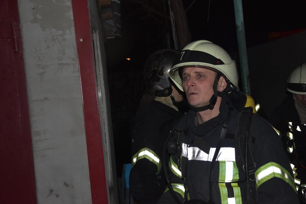 На поселке Котовского горит дом: есть погибший (фото) «фото»