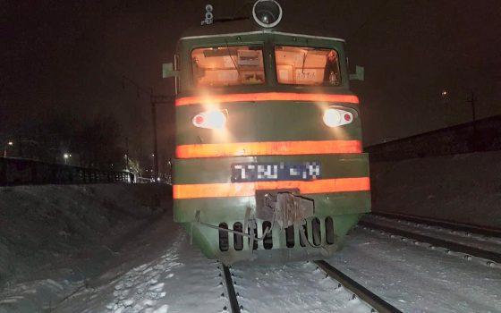 Поезд сбил мужчину на станции «Шевченко» в Суворовском районе (фото) «фото»