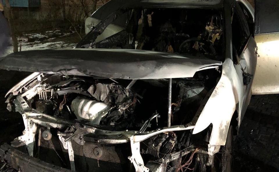 Жительнице Черноморска подожгли автомобиль «фото»