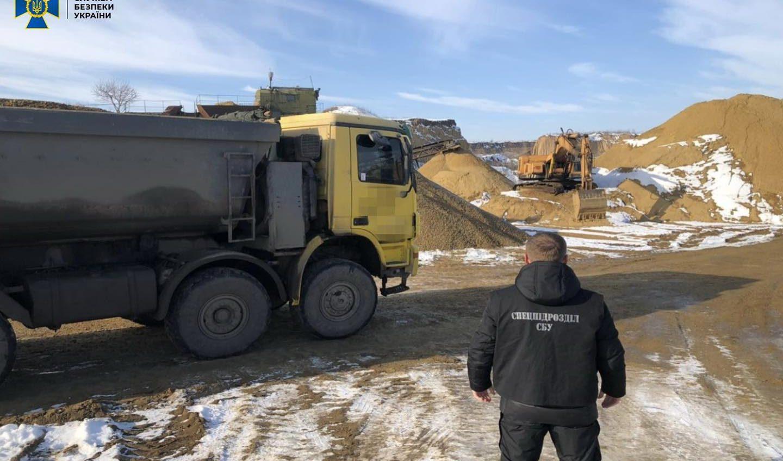 В Одесской области частники незаконно заработали на добыче песка более 100 миллионов (фото) «фото»