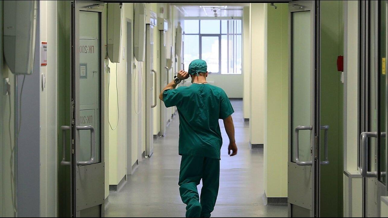 На крючке у проверяющего, или за что в Украине наказывают врачей «фото»