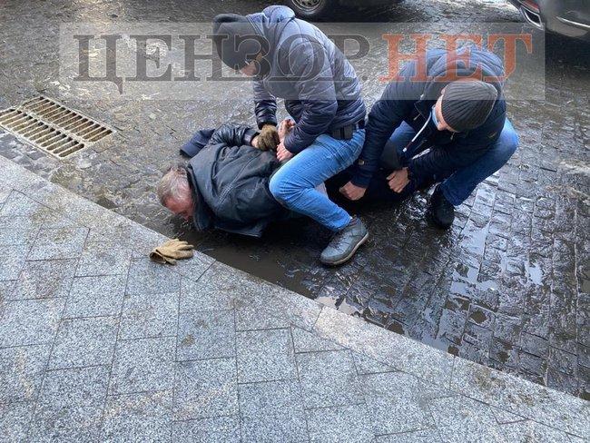 В Киеве задержали полковника СБУ за подготовку убийства генерала Наумова (фото) «фото»