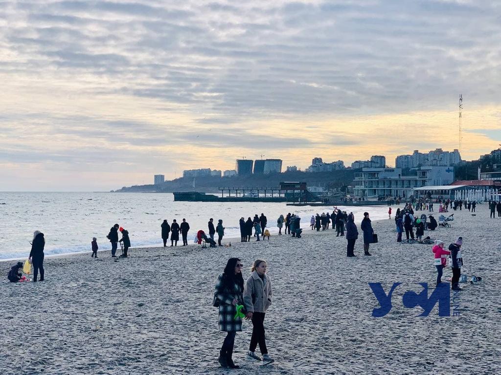 Первый день 2021 года: одесситов потянуло к морю (фото) «фото»