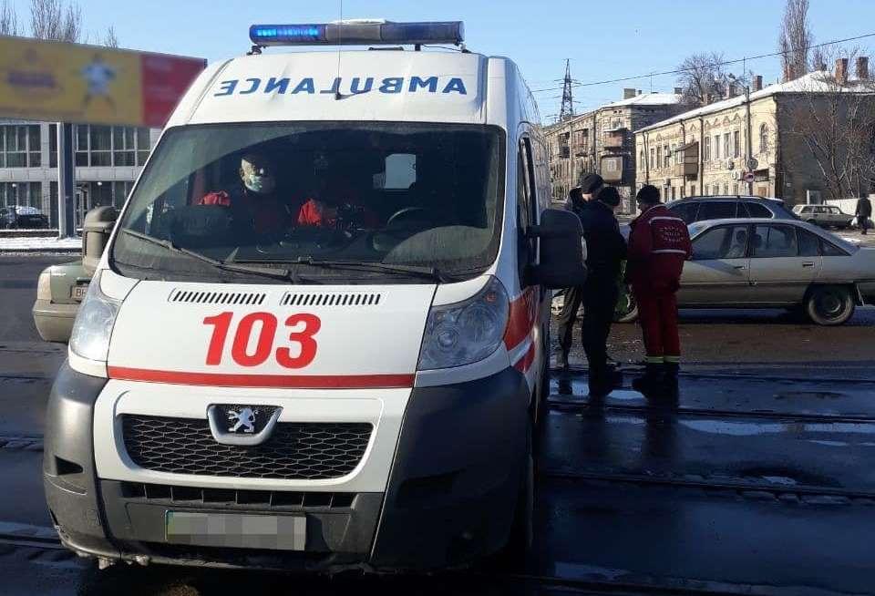 На Слободке скорая помощь попала в аварию (фото) «фото»