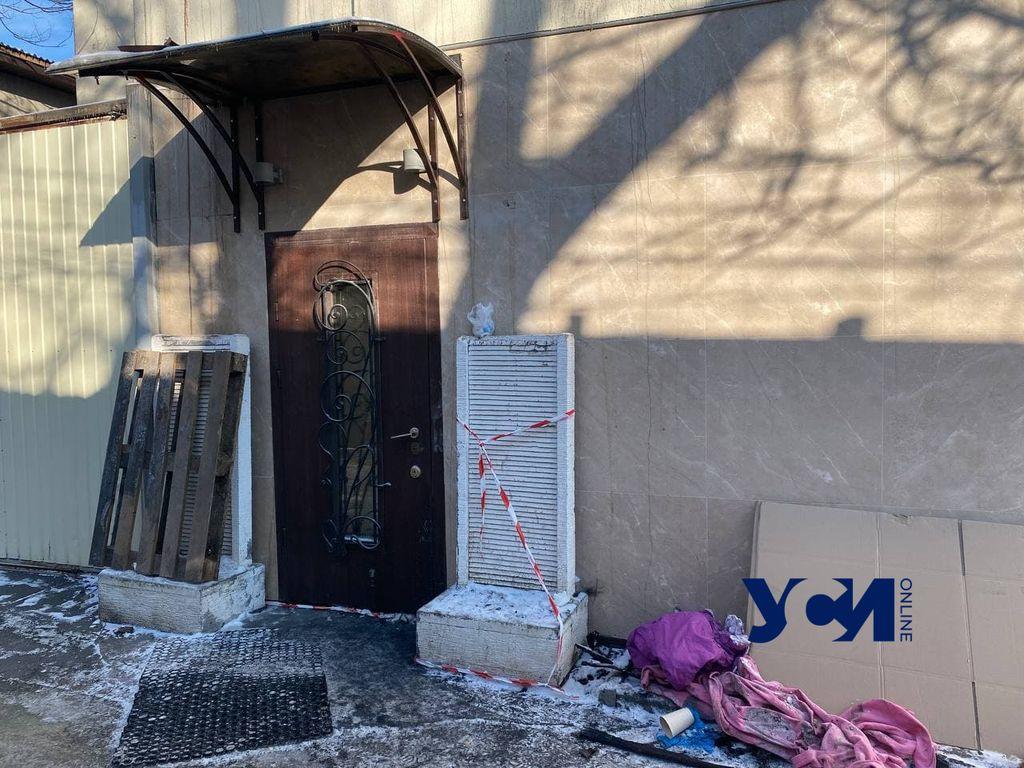Без денег, документов и жилья: жителей сгоревшего хостела выселили из отеля (фото) «фото»