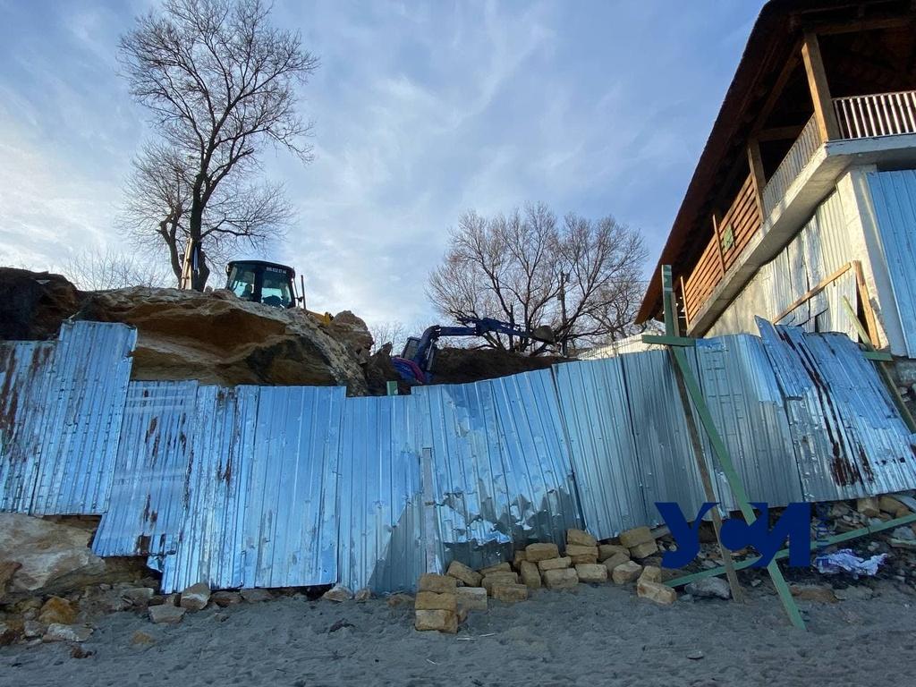 Незаконный захват пляжа Аркадии закончился для ресторатора уголовным производством (фото) «фото»