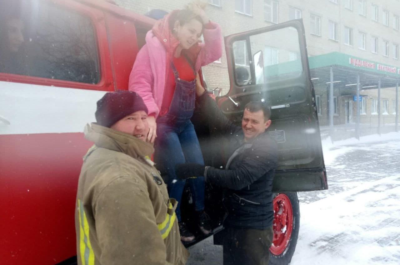 В Одесской области спасатели помогли роженице добраться до роддома (фото) «фото»