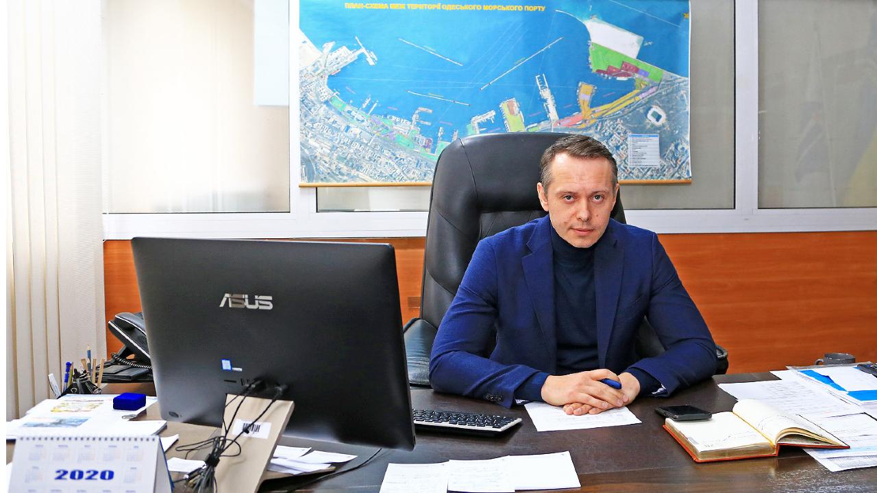Мининфраструктуры отстранило директора Одесского порта от должности «фото»