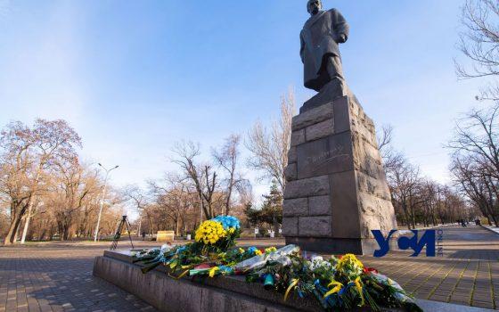 В Одессе традиционно возложили цветы в День Соборности Украины (фото) «фото»