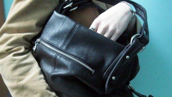 В Одесской области 15-летняя девушка ограбила пенсионерку «фото»