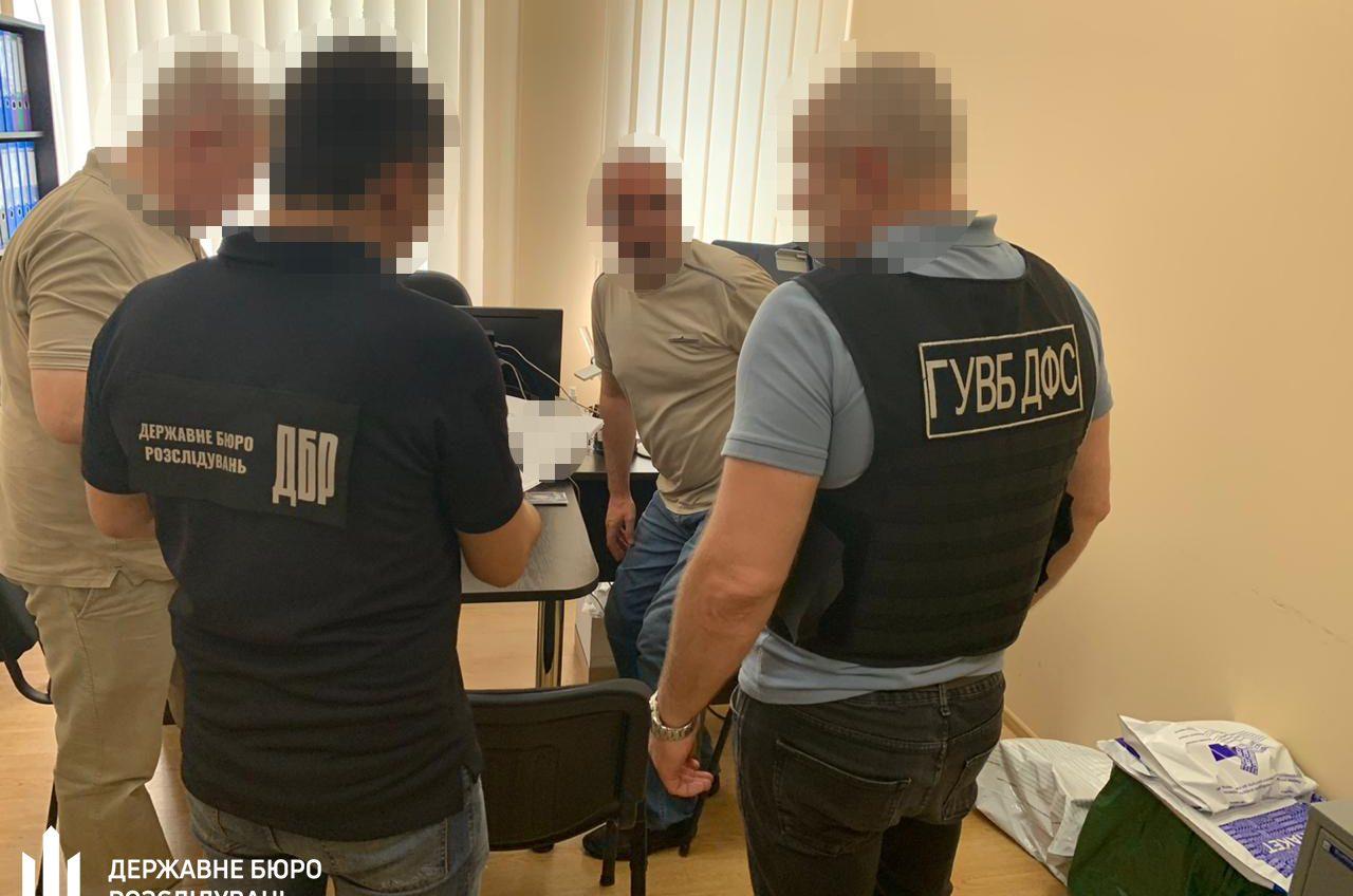 Убытки на миллион: в суде ответит главный инспектор Одесской таможни «фото»