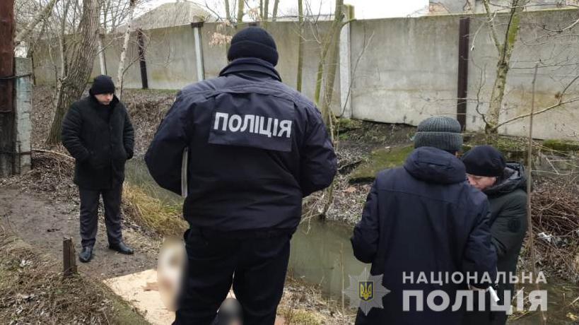 В одном из каналов Вилково нашли тело женщины с резаными ранами «фото»