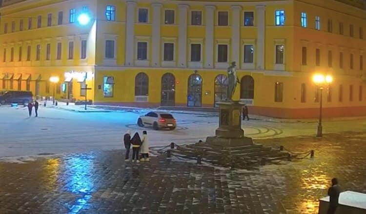 Охранников «Муниципальной охраны», которые пропустили дрифтера, уволили (видео) «фото»