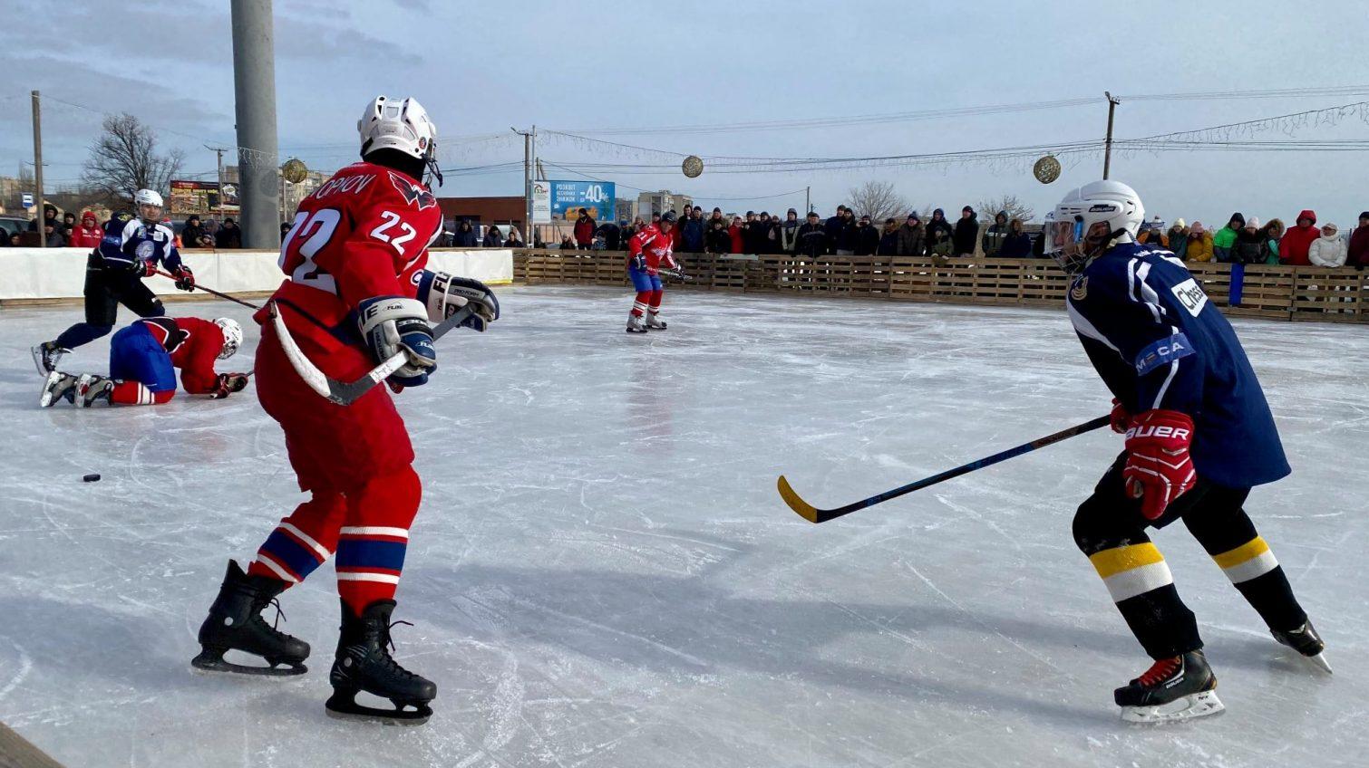 Ломаченко сыграл в хоккей за местную команду Белгород-Днестровска (фото) «фото»