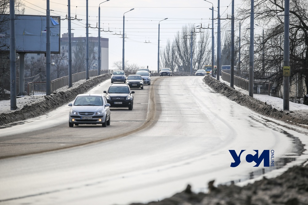 В Одессе для грузовиков закрывают движение по Ивановскому мосту «фото»