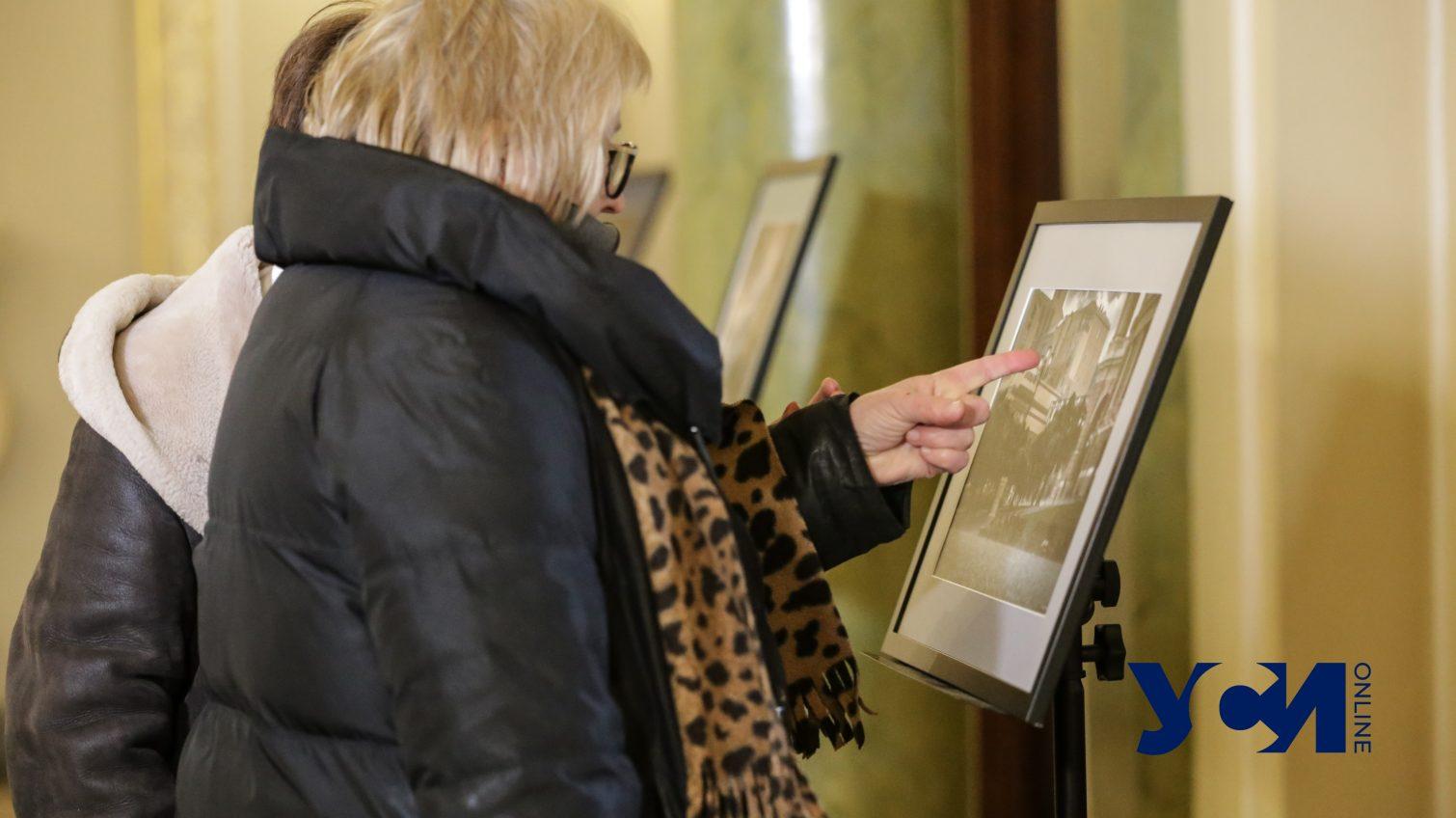 «Театромания»: в Одесском оперном открылась выставка фотохудожника (фото, аудио) «фото»