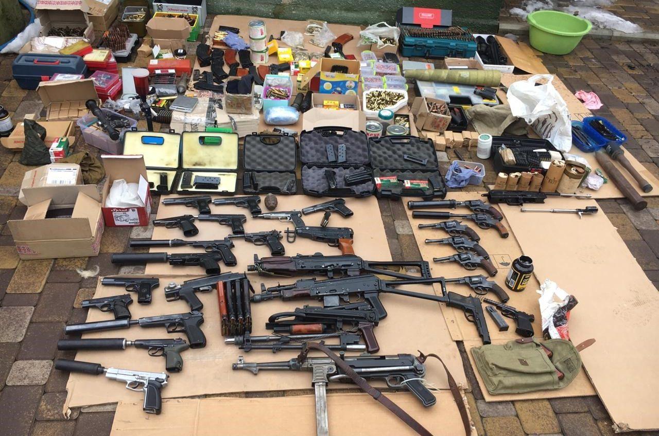 Житель Одесской области изготавливал амфетамин, а у его подельника нашли серьезный арсенал (фото) «фото»
