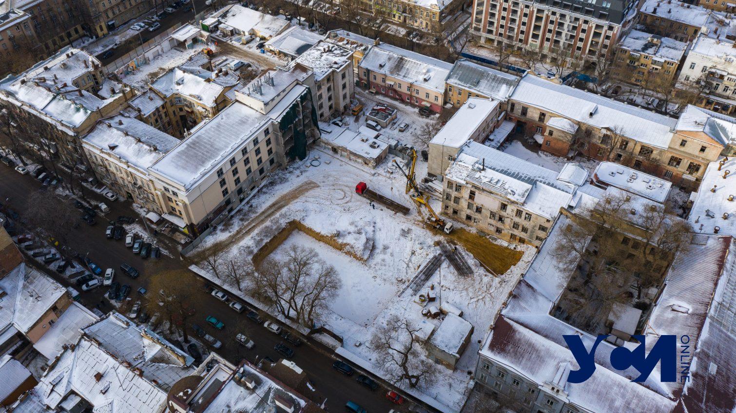 Вместо бизнес-центра и паркинга на Успенской продолжается строительство ЖК (фото, видео) «фото»