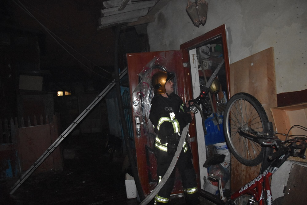 В Одессе из-за неисправной печки загорелся частный дом (фото) «фото»