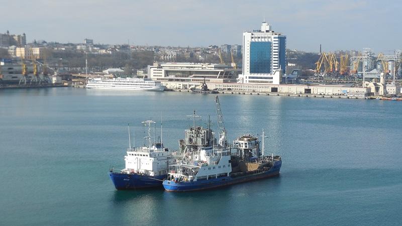 В Одесском порту начали углублять дно (фото) «фото»
