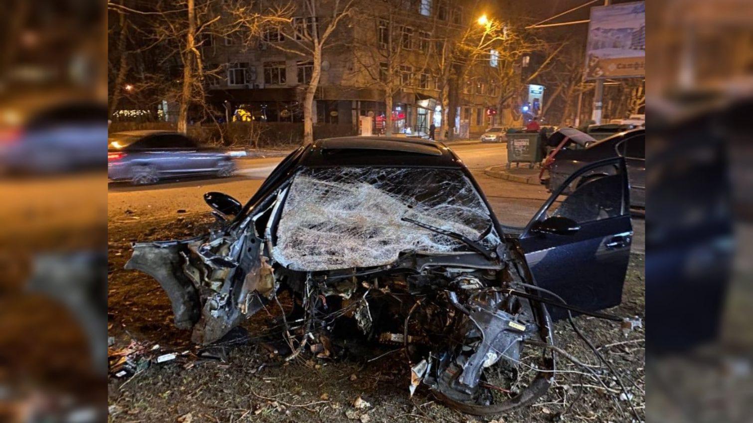 Разрушительное ДТП на Сегедской: от машины осталась груда металла (фото, видео) «фото»