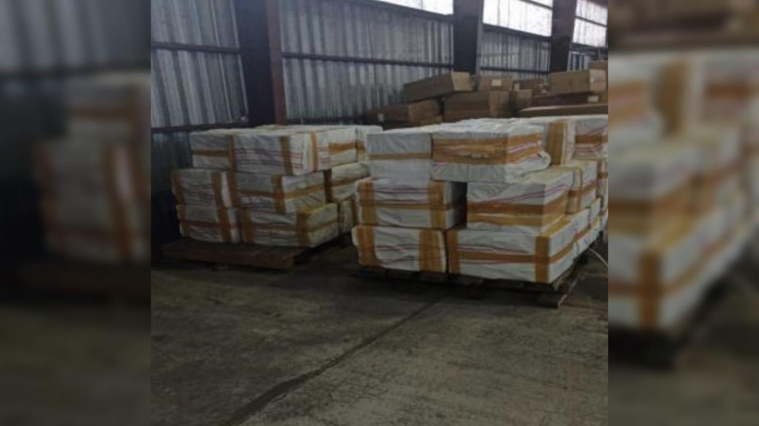 На таможне нашли контрабанду: 7,5 тонн табака для кальяна на 11,2 млн (фото) «фото»