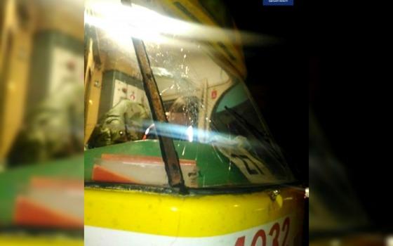 В Одессе задержали вандала: он бил стекла в трамвае (фото) «фото»