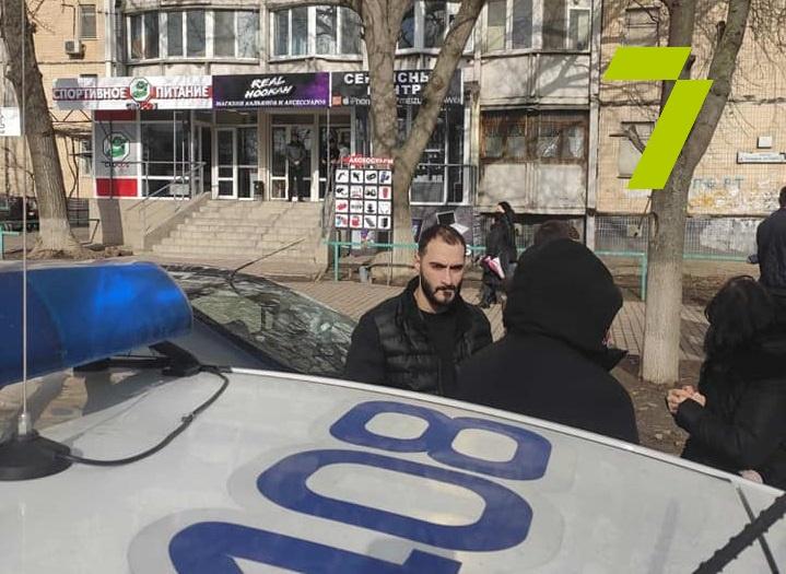 Продавцу с рынка «Северный», напавшему на журналистов, объявили о подозрении «фото»