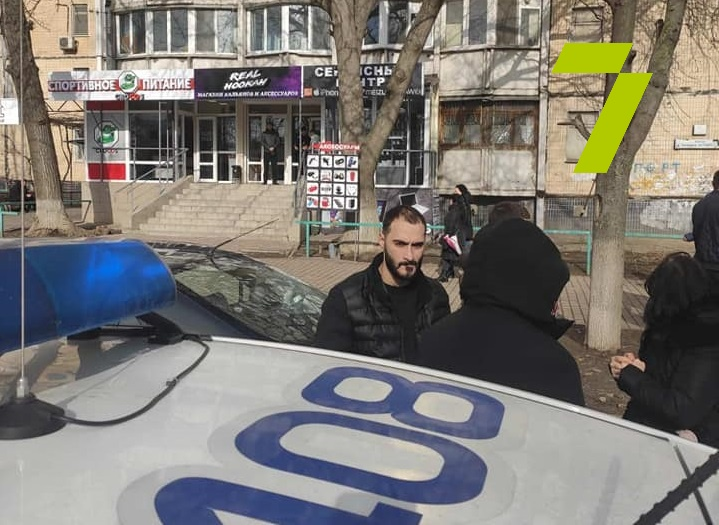 Продавца «Северного» признали виновным в нападении на журналистов «фото»