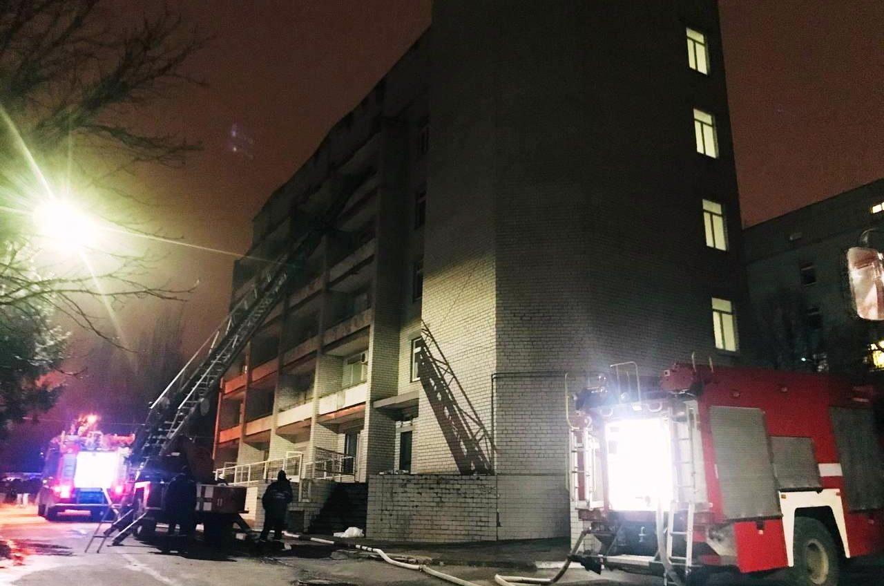В COVID-отделении инфекционки Запорожья произошел пожар: 4 человека погибло (фото, видео) «фото»