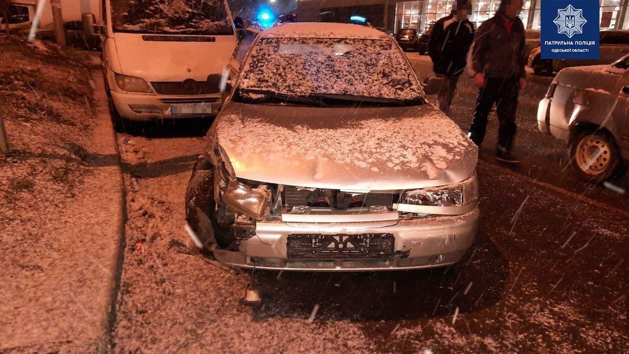 Из-за пьяного водителя на Сахарова произошло ДТП с 4 машинами (фото) «фото»