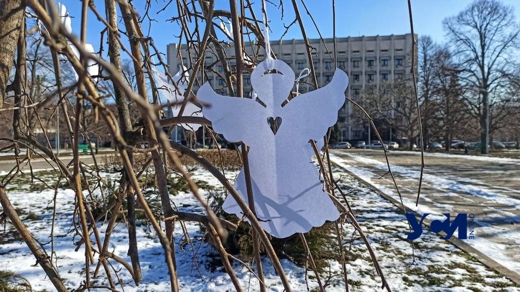 «Ангелы памяти»: в Одессе прошла тихая акция памяти Героев Небесной Сотни (фото, аудио) «фото»