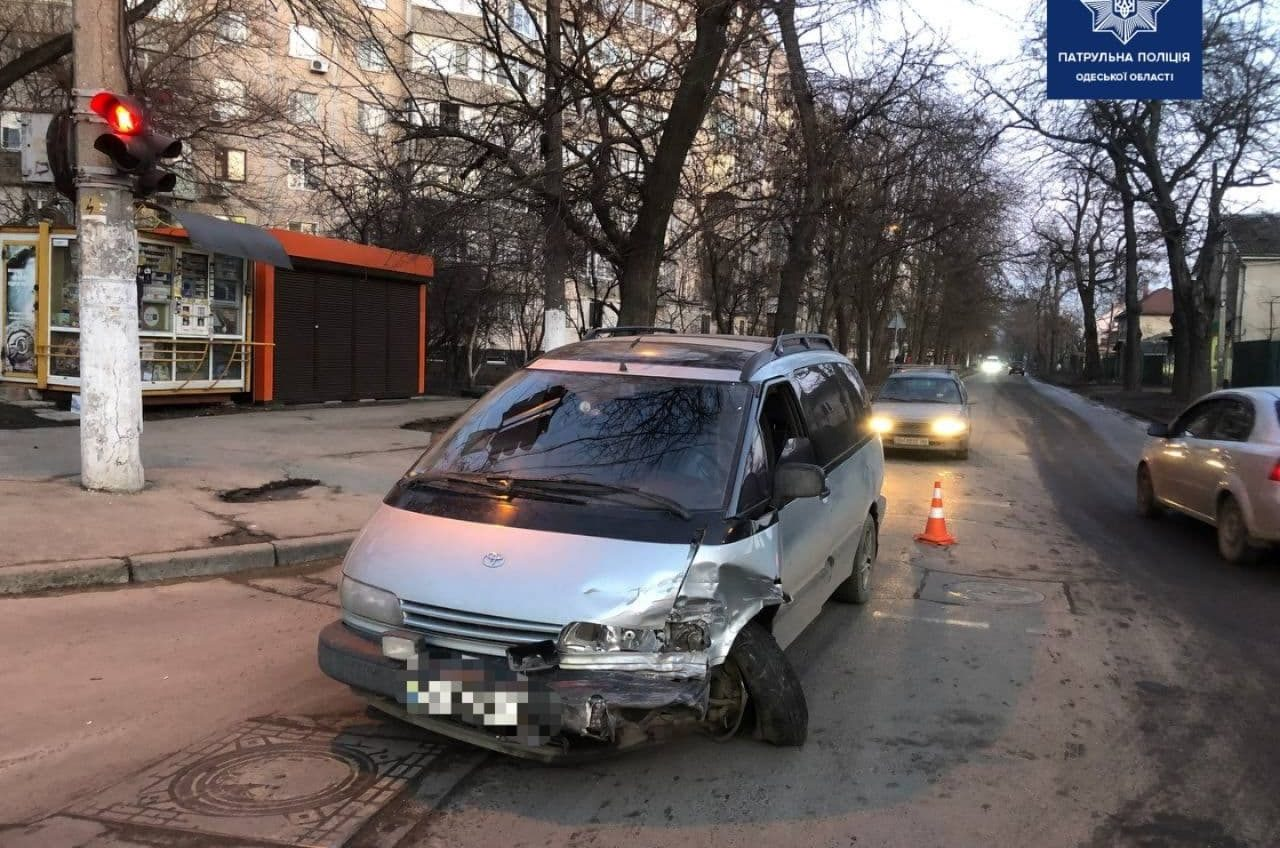 Из-за пьяного водителя на Люстдорфской дороге в аварии пострадал ребенок (фото) «фото»