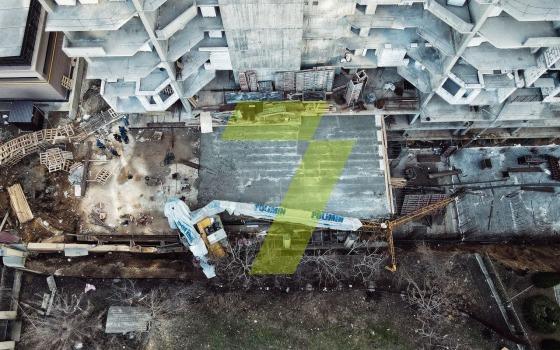 В Аркадии рухнул строительный кран: пострадавших нет (видео) «фото»