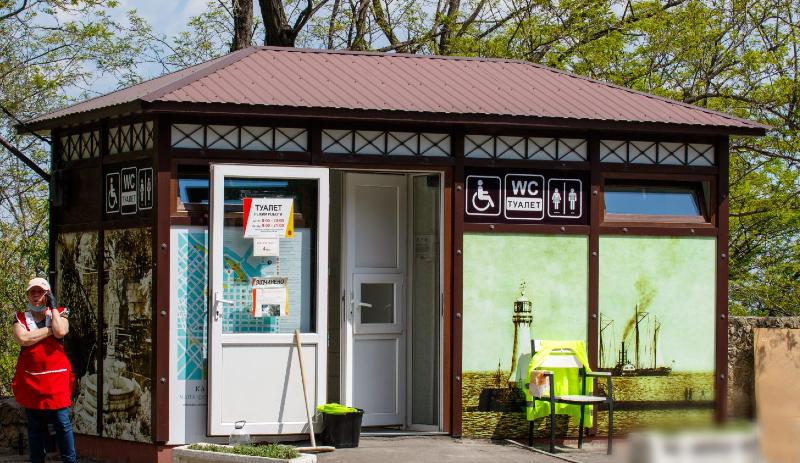 В мэрии не знают, когда смогут отремонтировать туалеты на побережье Фонтана «фото»