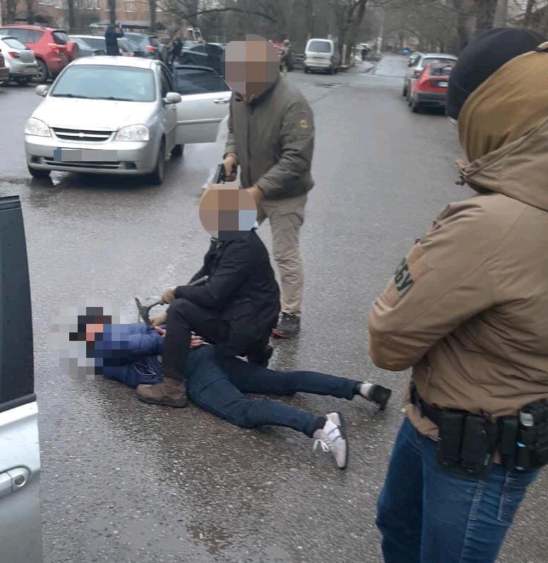 В Одессе полиция и СБУ задержали этническую группу фальшивомонетчиков (фото) «фото»