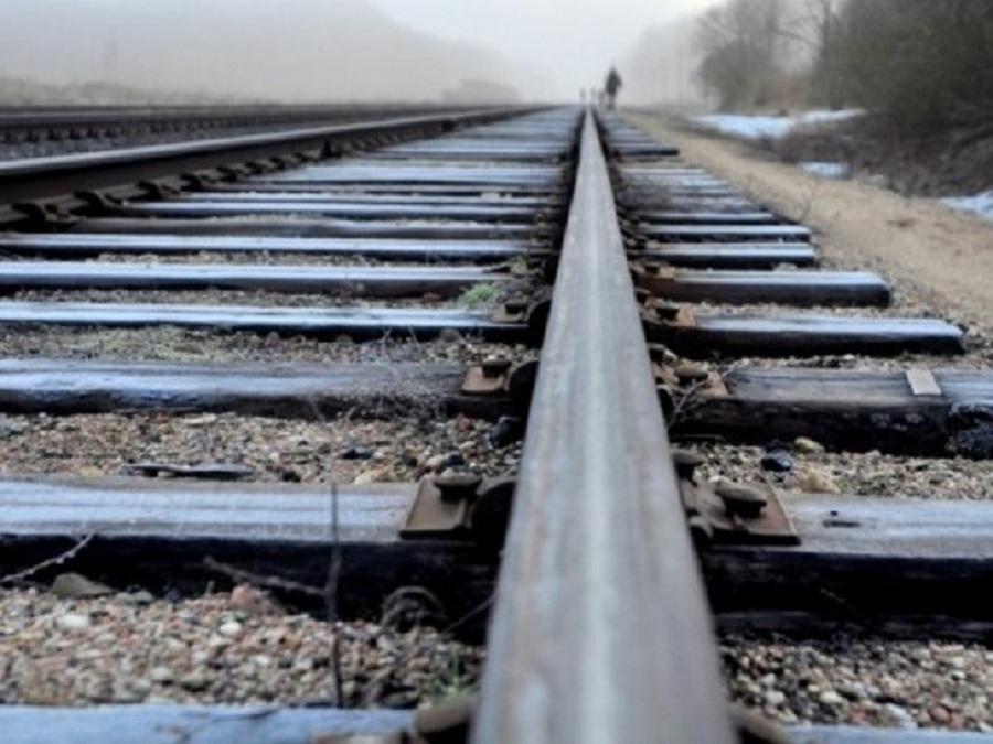 Легла на рельсы: в Одессе девочка-подросток погибла под колесами поезда «фото»
