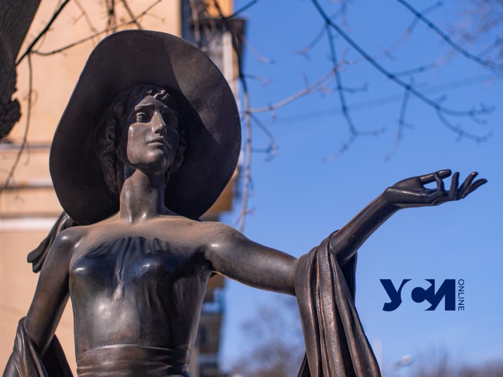Женщины Одессы сквозь века в скульптурах (фото) «фото»