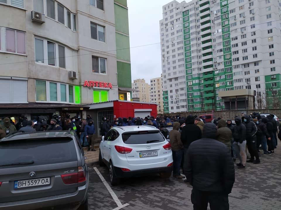 В Одессе штурмовали офис охранной фирмы: ее сотрудник избил ветерана АТО (фото) «фото»