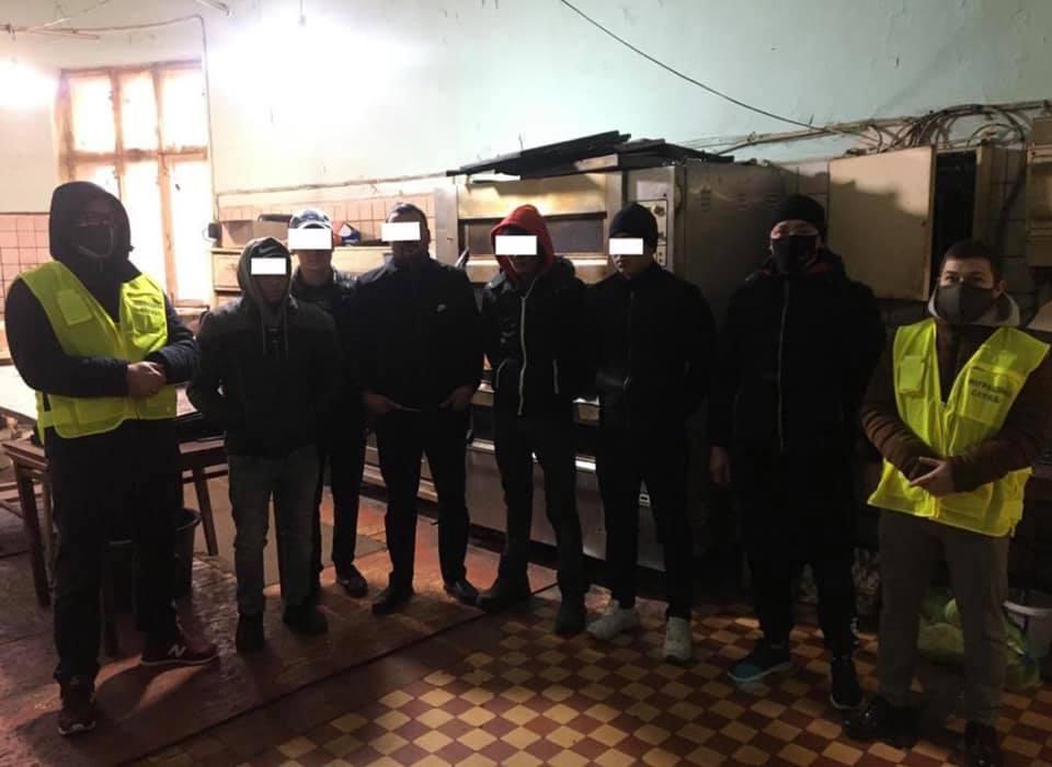 В Одессе разоблачили подпольную пекарню: там работали «нелегалы» «фото»