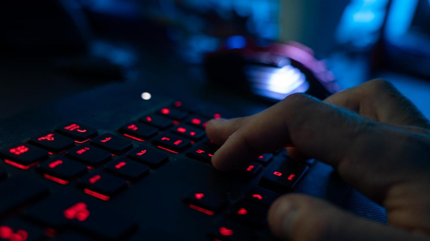 Взломал 15 млн пользователей: в Одессе задержали хакера «фото»