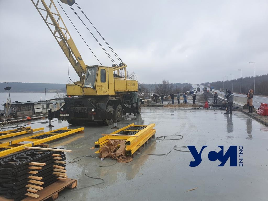 Движение по мосту через Хаджибейский лиман могут полностью возобновить уже в апреле (фото) «фото»